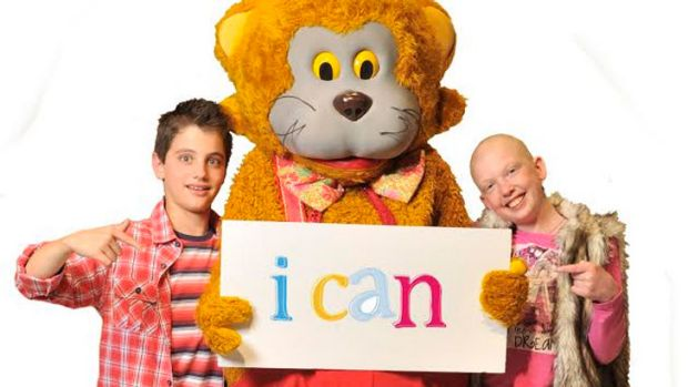 Fundraisers Jack Day and Tahlia Polmear with WA icon Fat Cat.