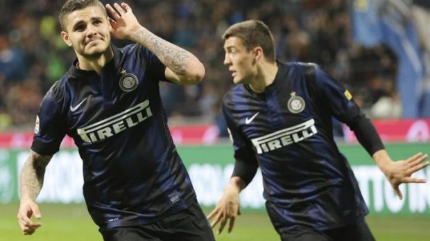 In vain: Mauro Icardi's (L) brace of goals could not get the win for Inter Milan.