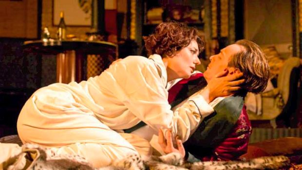 Anna Chancellor and Toby Stephens appear histrionic in the London production of <i>Private Lives </i>filmed by Cinema Live.