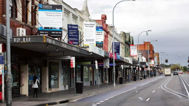 High rents driving retailers away: 89 shops on Oxford street are vacant, for lease or closing.