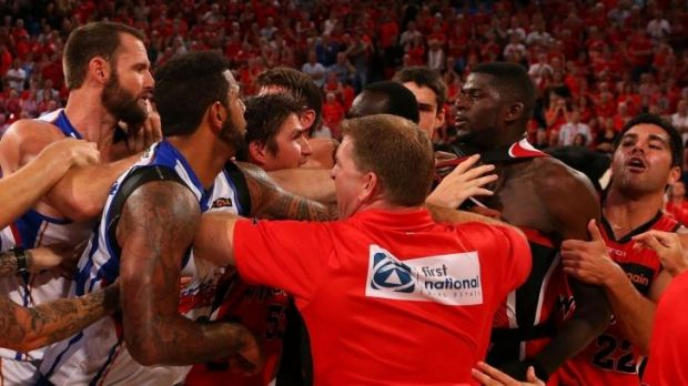 Wildcats and 36ers show their mutual affection, round 18.