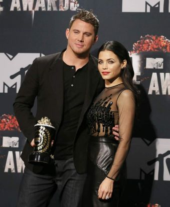 Actor Channing Tatum with his wife Jenna Dewan after his trailblazer award win at the 2014 MTV Movie Awards.