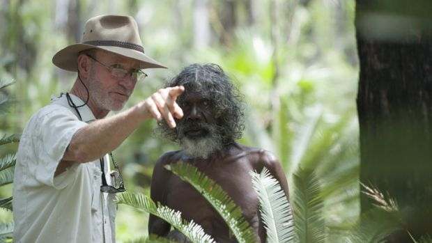 Rolf de Heer on set with David Gulpilil.