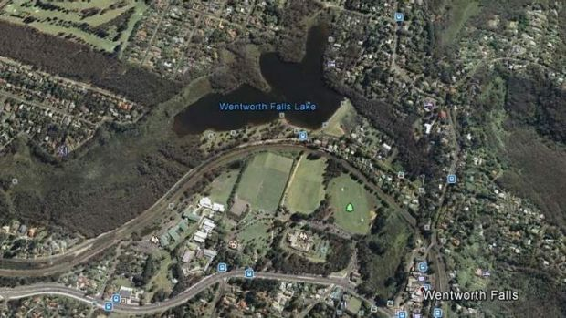 Emergency services responded to a report a 16-year-old boy  was drowning at Wentworth Falls Lake just after 5pm on Wednesday.