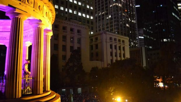 The Shrine of Remembrance lit beautifully for the dawn service.