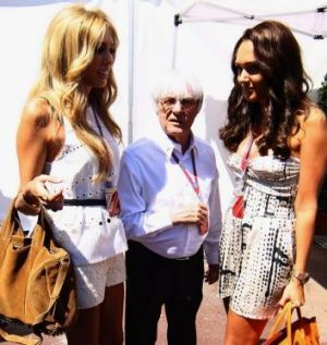 Ecclestone with his two daughters, Petra (L) and Tamara.
