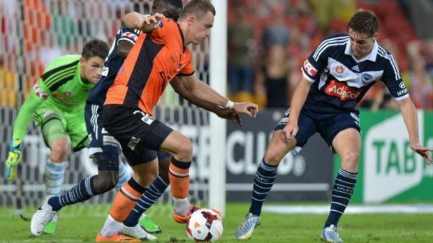 Besart Berisha looks to take on the Melbourne Victory defence.