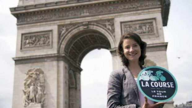 Marianne Vos of the Netherlands poses in front of the Arc de Triomphe this week.