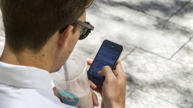 CBA customers can use mobile phones instead of cards for ATM withdrawals.