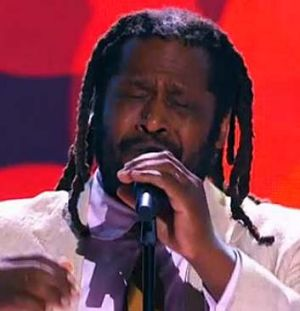Lionel Cole sings <i>Unforgettable</i>, a song made popular by his uncle, Nat King Cole.