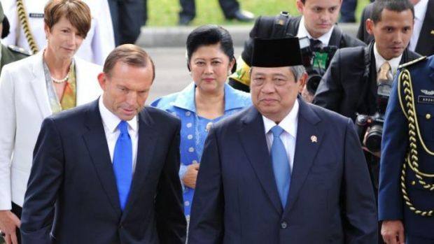 There is speculation that Tony Abbott (front L) cancelled a trip to meet Indonesia's President Susilo Bambang Yudhoyono ...