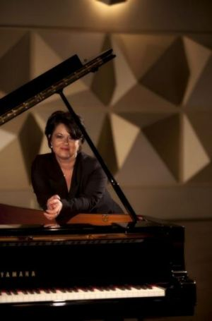 Pianist Kathryn Selby.