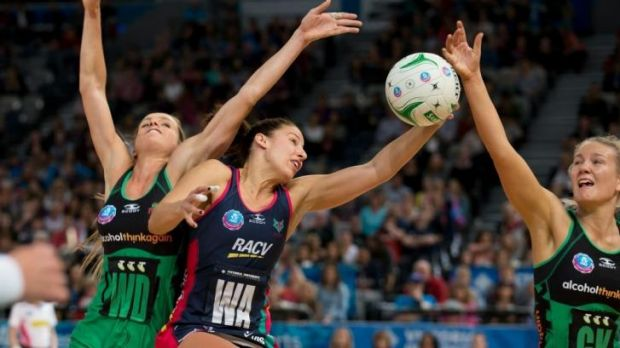 It's mine: Vixen Madi Robinson takes possession against West Coast Fever.