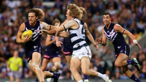 Nathan Fyfe has re-signed with the Fremantle Dockers.