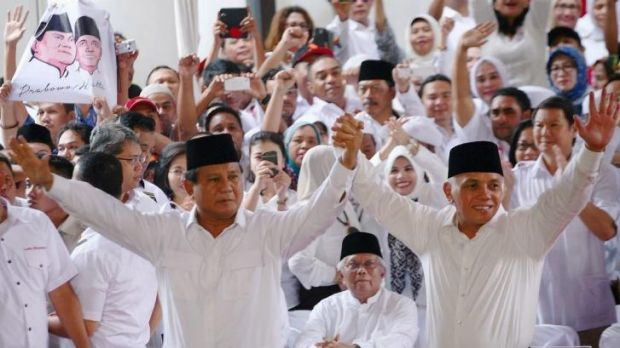 Indonesian presidential candidate Prabowo Subianto, left, and running mate Hatta Rajasa.