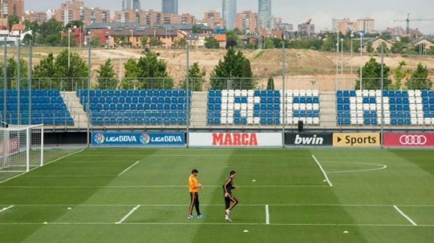 Ronaldo, cuts a lonely scene, training by himself.