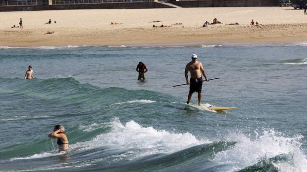 Autumn heatwave: Sydneysiders enjoy the warm weather at Bondi Beach.