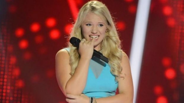 Despite the nervousness of Battle Round Two, 18-year-old Anja Nissen won through over Sarah Hamad, singing Kelly ...