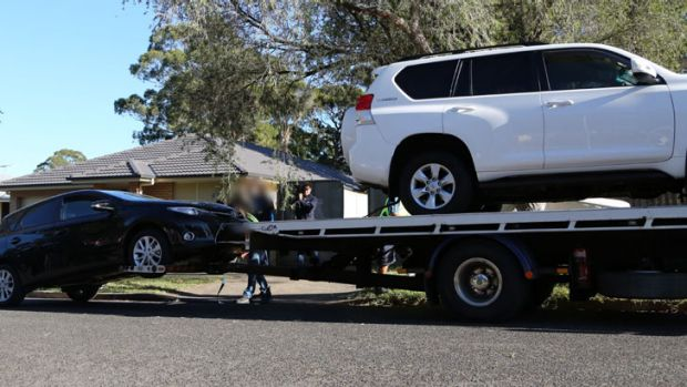 Love scam: police seized a number of cars.