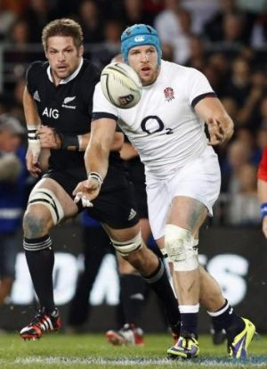 James Haskell passes the ball to the backline.