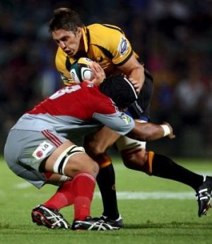 Former Force hooker Luke Holmes has been called up to the Brumbies' squad to replace Moore.