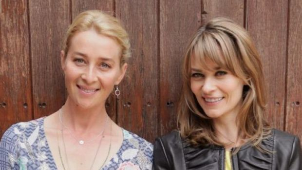 Nina (Asher Keddie) and Billie (Kat Stewart) in Offspring season five.