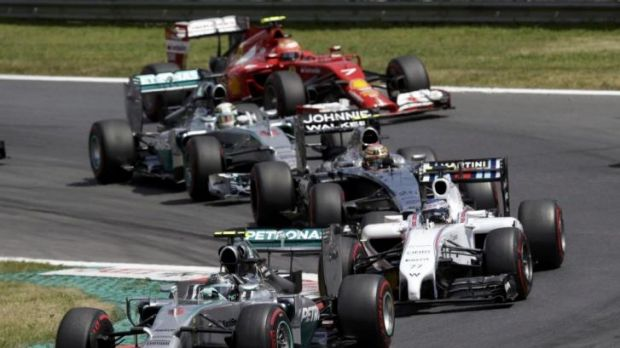 Nico Rosberg leads Valtteri Bottas during Sunday's Austrian Grand Prix.
