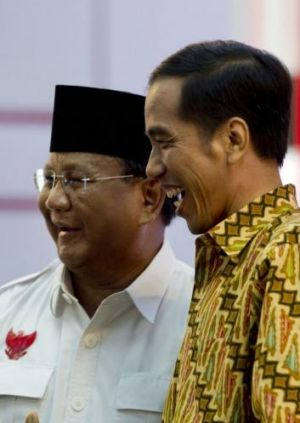 Puzzled by Australia: Indonesian presidential rivals Prabowo Subianto (left) and Joko Widodo at their debate on Sunday night.