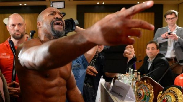 American Shannon Briggs crashes a press conference for Wladimir Klitschko  and Alex Leapai.