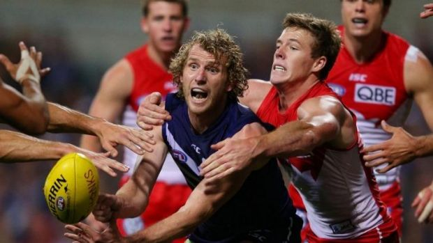 David Mundy was convinced to stay at the Dockers because the club is building.