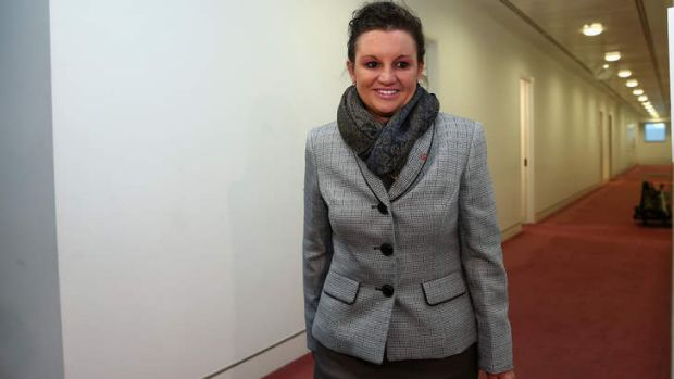 Senator Jacqui Lambie has taken another swipe at Prime Minister Tony Abbott.
