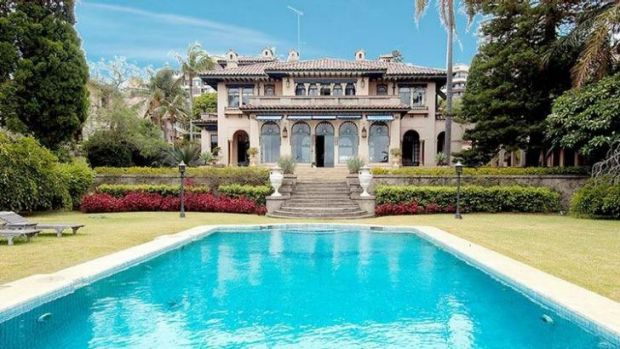 Trucking magnate Lindsay Fox spent millions renovating the historic Boomerang mansion in Elizabeth Bay, but has barely ...