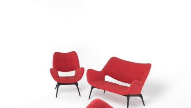 Chairs and couch from Grant Featherston's Contour series.