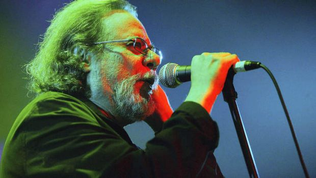 Tommy Ramone performs on stage during The Ramones Cancer Benefit in 2004 in New York.