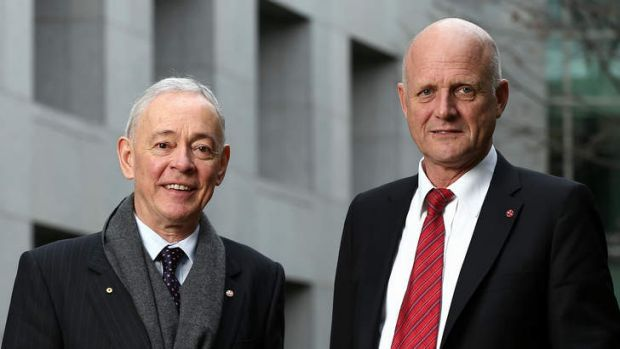 Family First senator Bob Day and LDP senator David Leyonhjelm disagree with a government proposal to force the unempoyed ...