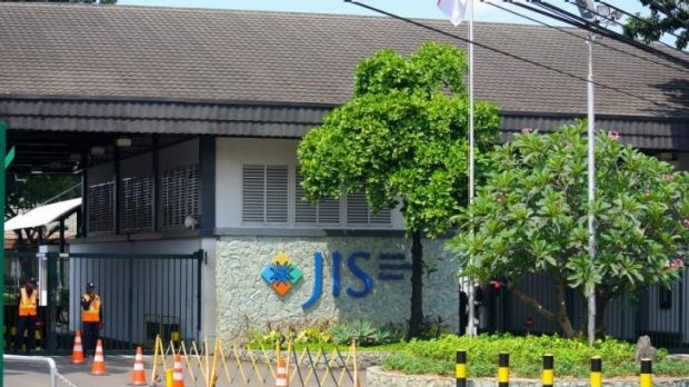 Jakarta International School.