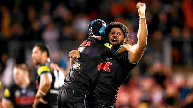 Jamal Idris and Jamie Soward celebrate victory.