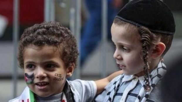 A Jewish and a Palestinian boy together in Israel for #JewsAndArabsRefusetoBeEnemies