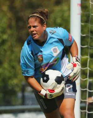 Chantel Jones has signed with Canberra United for the upcoming W-League season.