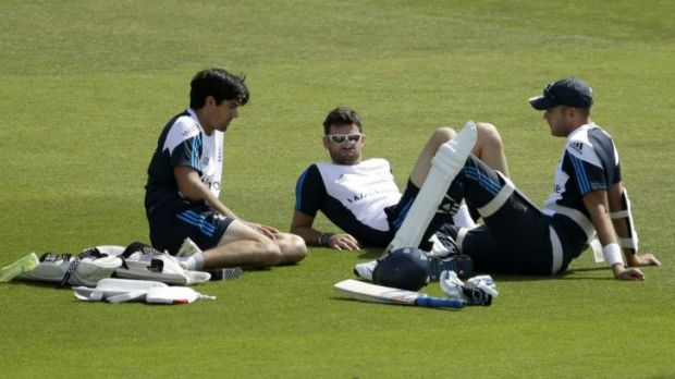Alastair Cook has a chat with James Anderson and Stuart Broad during a nets session in Southampton on Saturday.