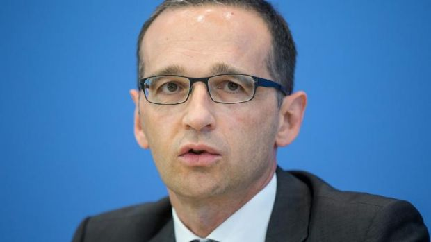 German justice minister Heiko Maas believes ex-NSA contractor Edward Snowden should cut a deal with the US government ...