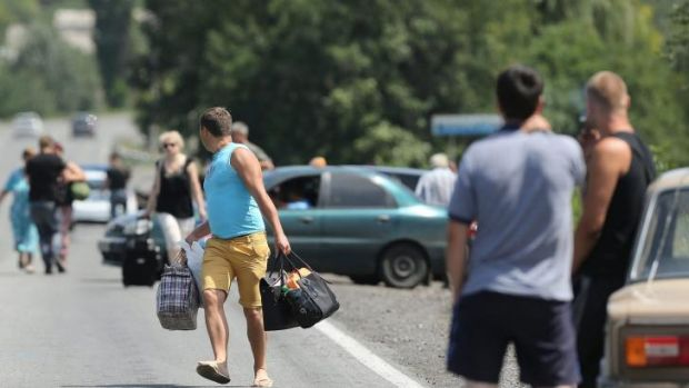 Residents fleeing from Shakhtersk.