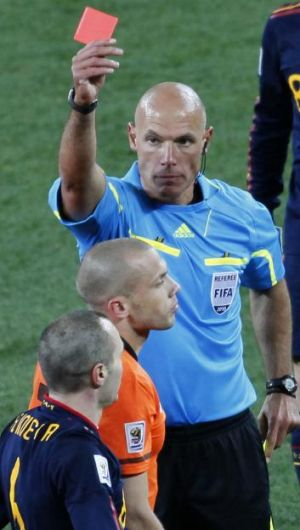 Howard Webb sent off Netherlands' John Heitinga in the 2010 World Cup final.
