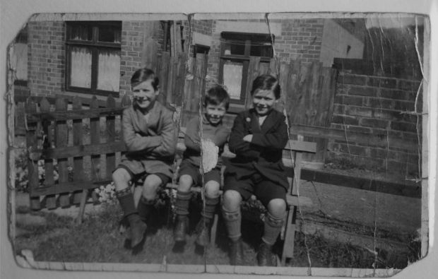 Brian with his brothers in 1941 in Barneard Castle.