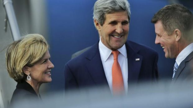 US Secretary of State John Kerry arrives in Sydney with Foreign Affairs Minister Julie Bishop and NSW Premier Mike Baird.