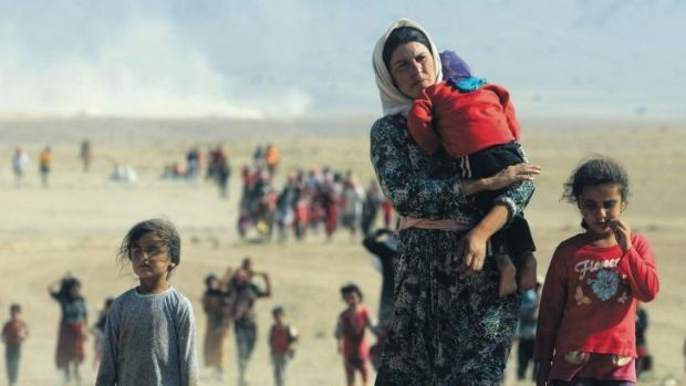 Tens of thousands of members of the Yazidi sect have fled from Islamic State militants.
