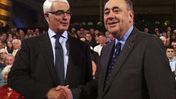 Scottish Nationalist leader Alex Salmond (right) with pro-Unionist 'Better Together' leader, Alistair Darling before ...