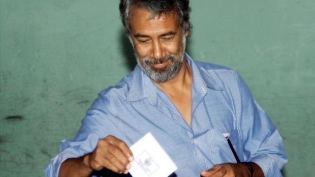East Timor independence leader Xanana Gusmao votes in the country's first democratic elections on August 30, 2001.