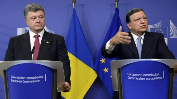 Meeting of minds: President of Ukraine Petro Poroshenko (left) and outgoing European Commission president Jose Manuel ...