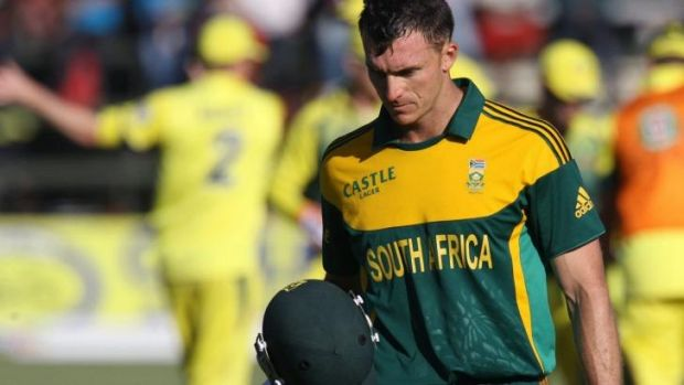Brave: South Africa batsman Ryan McLaren batted on after breaking his arm against Mitchell Johnson.